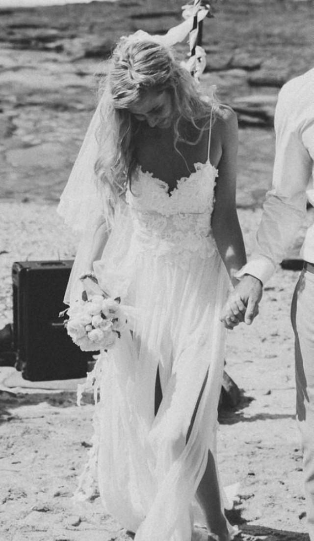 Sexy Backless Spaghetti Straps Wedding Dress 2050823