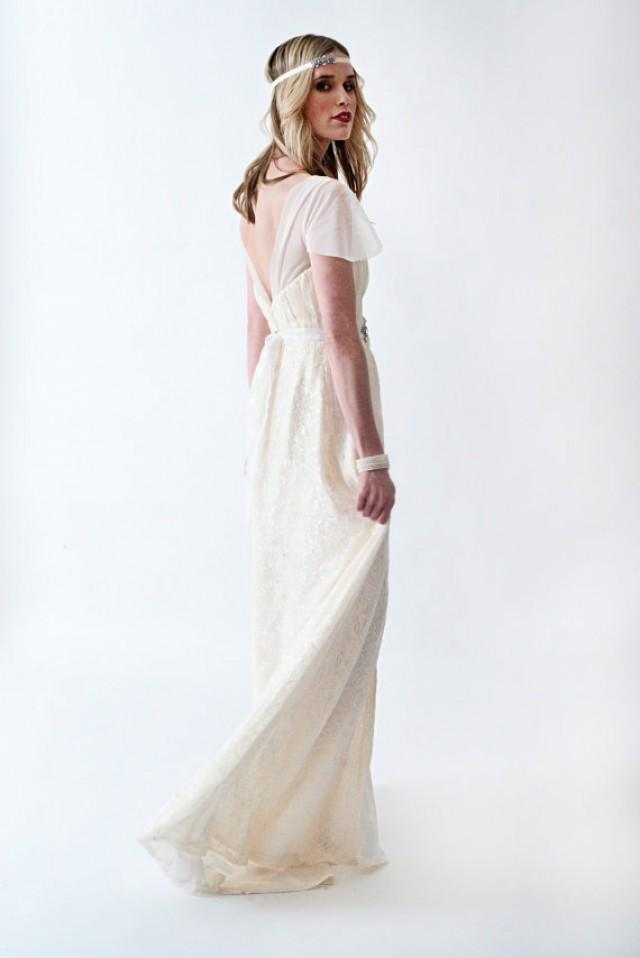 Sample Sale Lace Boho Or Country Chic Wedding Dress With Cap Sleeves Open Back High Slit