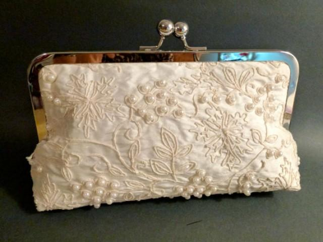 Bridal Clutch Ivory Silk And Large Pearl Bag Couture - New #2250836 - Weddbook