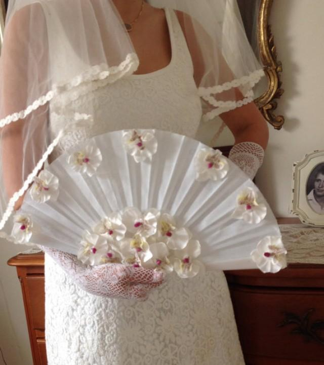 wedding photo - White And Silk Bridal Fan Bouquet