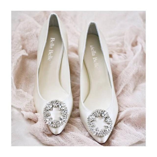 Ivory Or White Silk Wedding Shoes With Vintage Oval Crystal Rhinestone Brooches Kitten Heel Bridal