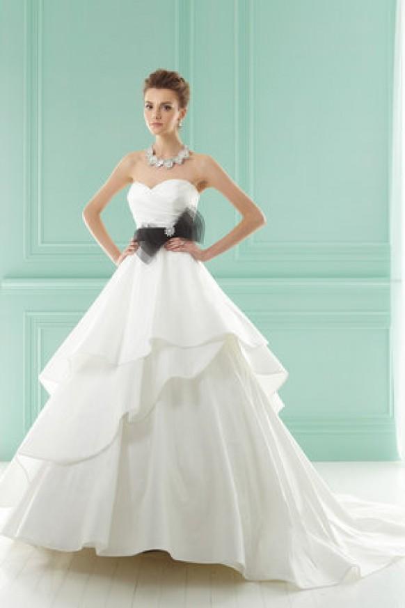 Dress jasmine collection 794499 weddbook for Jasmine collection wedding dress
