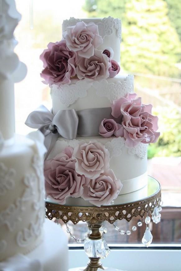 wedding photo - Fondant Lace Wedding Cake ♥ Wedding Cake Design