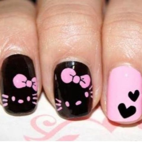 Hello Kitty Nail Art Design