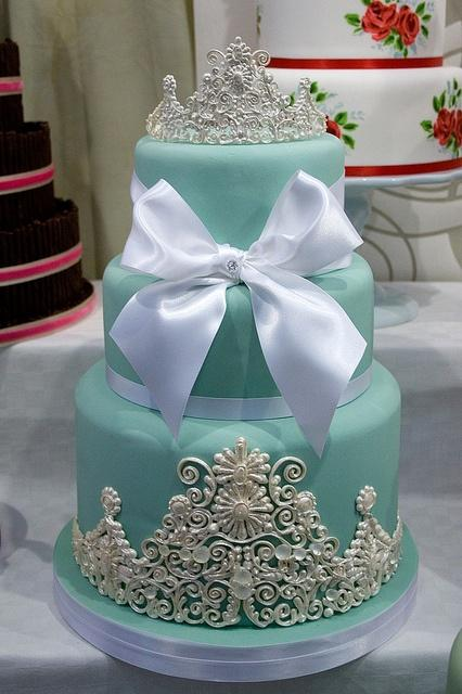 tiffany 39 s wedding cake with edible pearl and lace details 1341375 weddbook. Black Bedroom Furniture Sets. Home Design Ideas