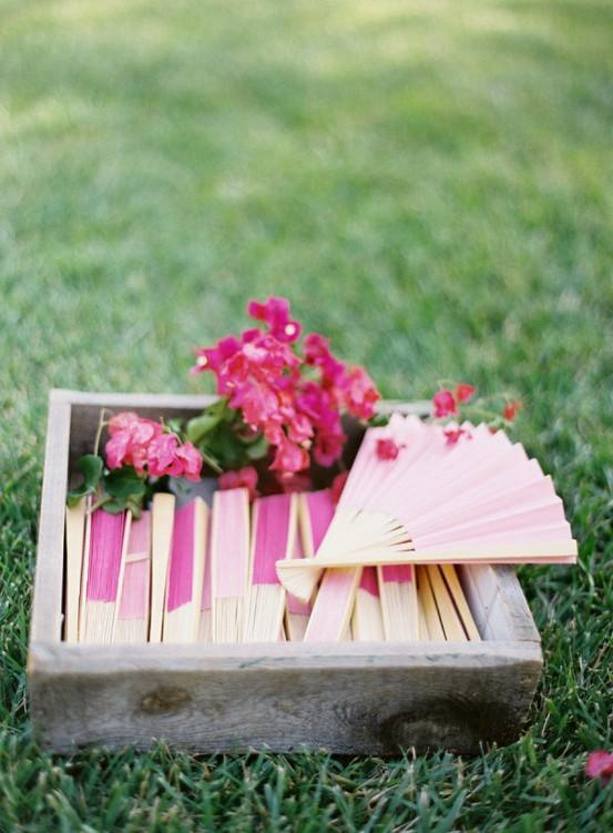 Creative Unique Summer Wedding Favor Ideas Outdoor