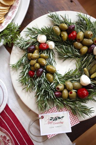 Creative Holiday Wedding Food Ideas ♥ Christmas Winter Wedding ...