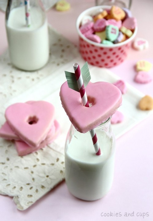 Mariage - Cookies Saint-Valentin ♥ Lait et biscuits roses de coeur maison de douche de mariage / mariée douche / Bachelorette Party