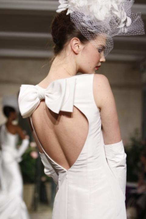 image of Elegant Bow Back Wedding Dress ♥ Oscar de la Renta Bridal Collection
