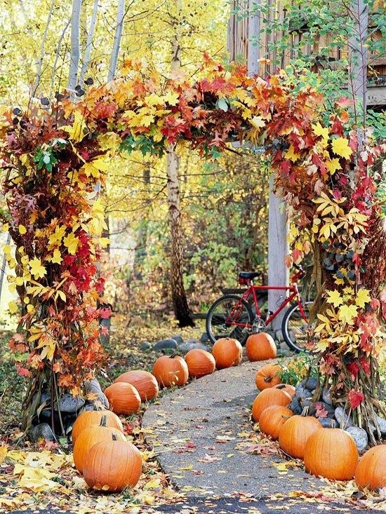 Fall wedding decoration ideas romantic decoration Fall outdoor decorating with pumpkins