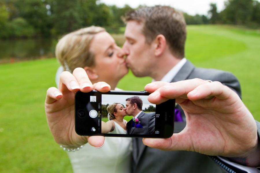Wedding - iPhone Love