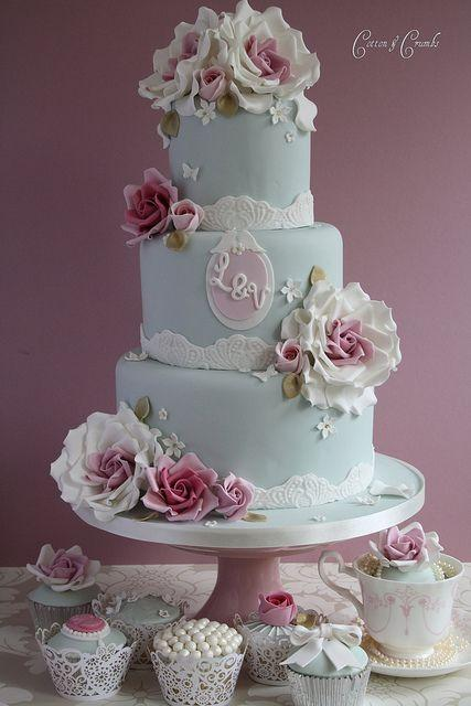 Wedding - Royal Decadence, Eat Cake!