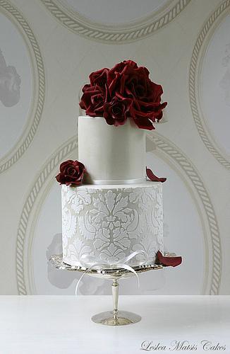 زفاف - الورود الحمراء والدمقس