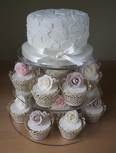Hochzeits Cupcakes Vintage Rose Lace Kuchen Turm 1987695 Weddbook
