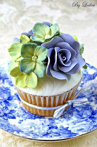 Свадьба - Гортензия кекс с Blue Roses
