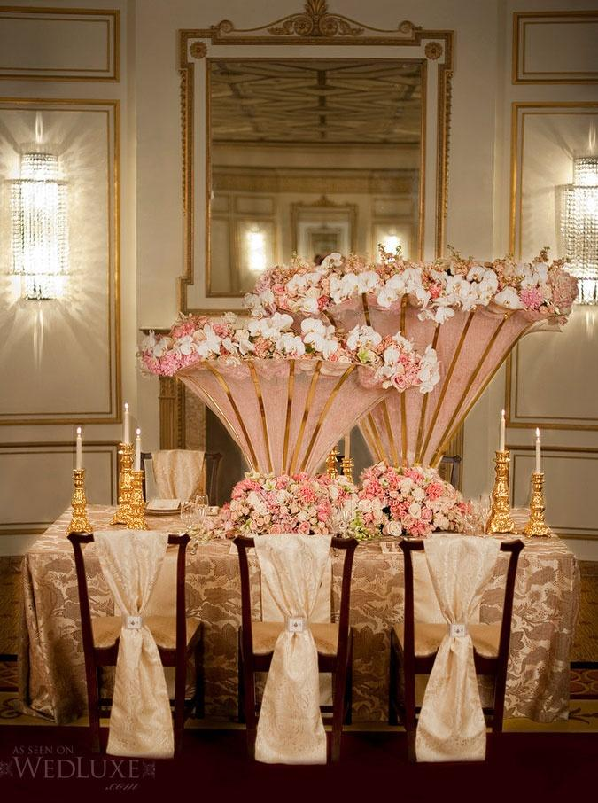Decorate The Dining Table With Pink Flower Baskets