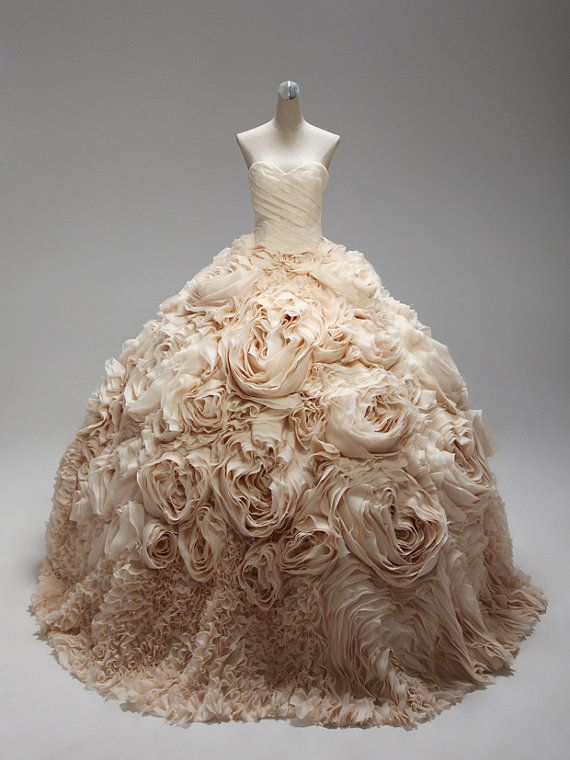Custom Sweetheart Neckline Flower Wedding Dress. #2040302 ...