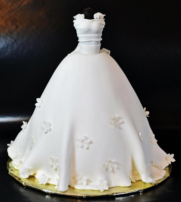 A Remarkable Wedding Dress Cake