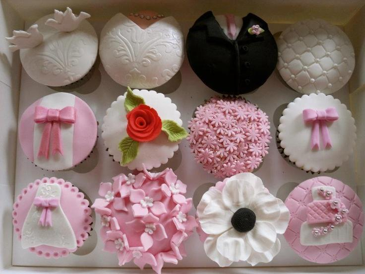 Cute Cupcakes Designed Like The Dresses Of The People 2051817