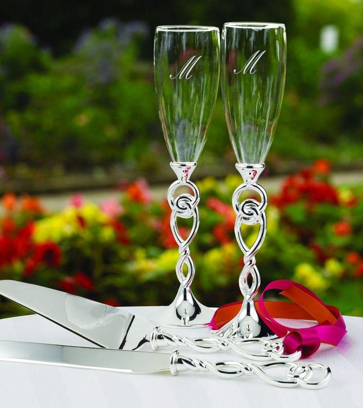 Свадьба - Love Knot Wedding Toasting Flutes Glasses Can Be Personalized