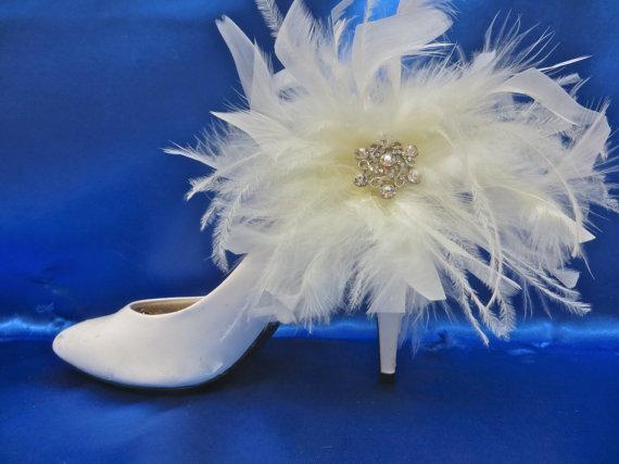Hochzeit - Feather Shoe Clips -  White Shoe Clips