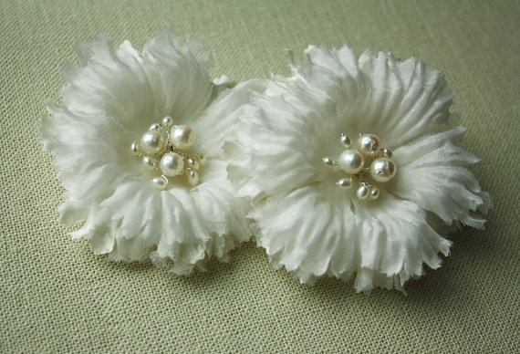 Hochzeit - Bridal Silk Flower Hairclips, Wedding Head Piece, Bridal fascinator - LYNETTE - New