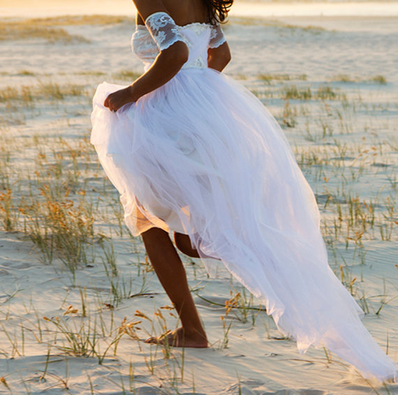 زفاف - Dreamy wedding dress featuring lace arm bands and soft tulle skirt - New