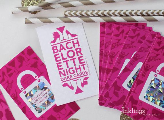 زفاف - Bachelorette Scratch-off Dare Game // 12 Cards in a Luggage Tag - New