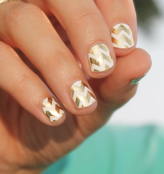 Свадьба - Gold Chevron Nail Wraps - New
