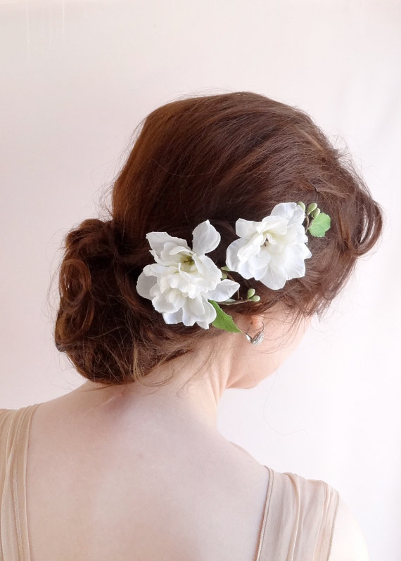 Flower hair accessories bridal hair clip 2226149 weddbook for Where to buy wedding accessories