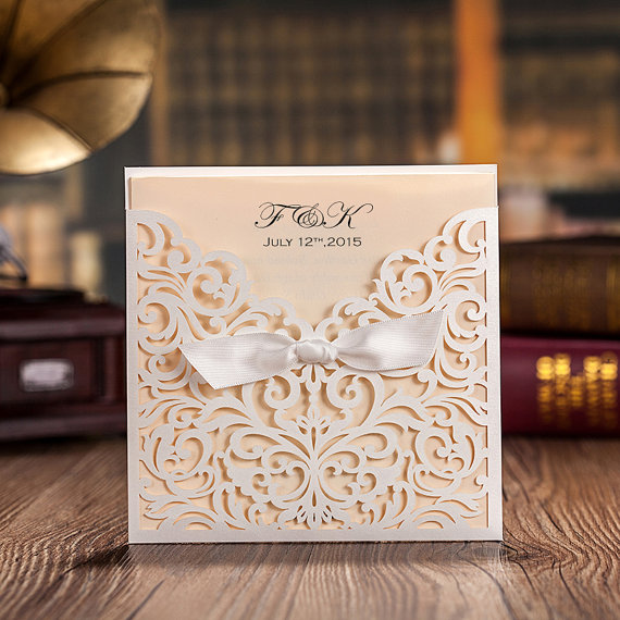 Mariage - 50 pcs White Lace Wedding Invitation Cards