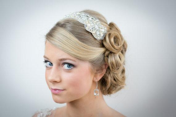 Hochzeit - Rhinestone crystal and pearl bridal hair adornment