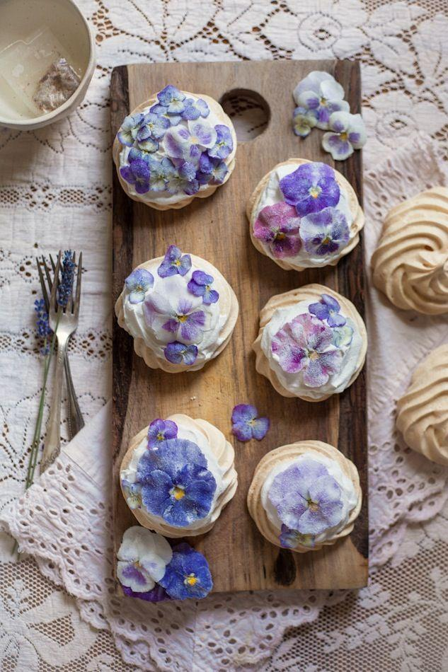 Hochzeit - An Edible Flower Collaboration With Luna Moss: Creamed Honey & Rose Popsicles, The Cornflower Kickback, & Candied Pansy & Viola Mini Pavlovas