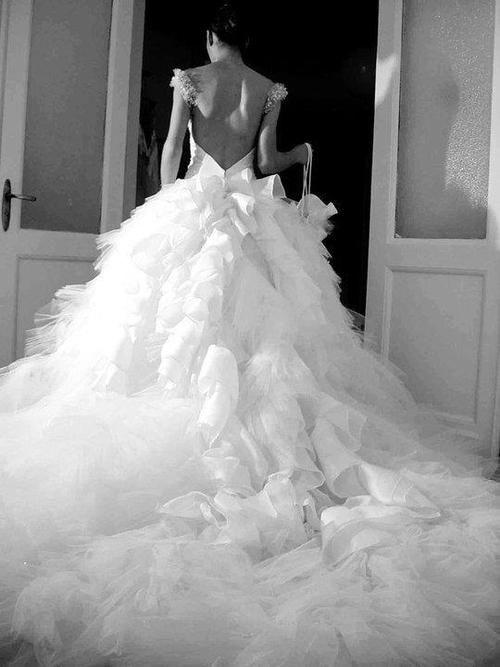 Свадьба - 46 Gorgeous Backless Wedding Dresses For You