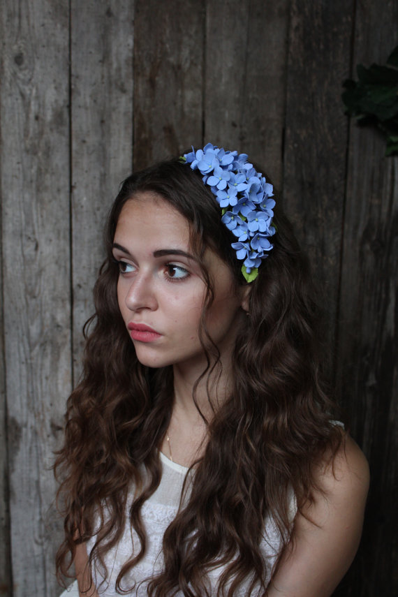 Свадьба - Wedding headband. hydrangea flowers . blue hydrangea.  Three in one: corsage, necklace or headband.   polymer clay flower. - New