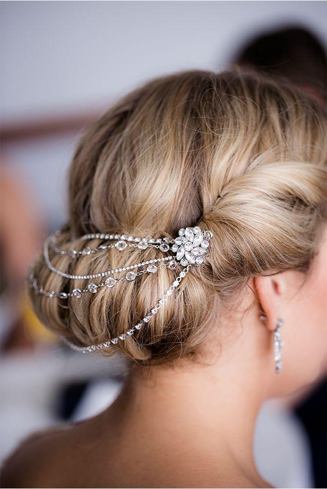 Hochzeit - 32 Magnificient Bridal Hair Pieces