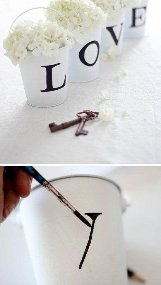 Hochzeit - 22 Stunning DIY Wedding Decorations On A Budget
