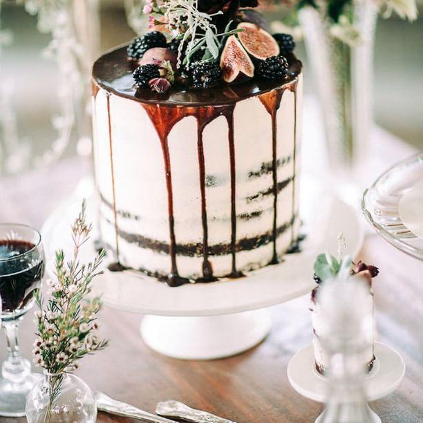 Mariage - Ruffled Cake