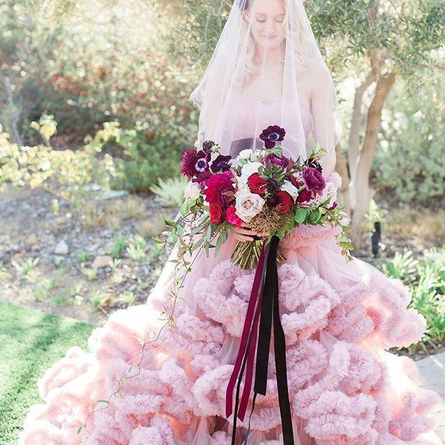 Mariage - Bright Wedding Dresses