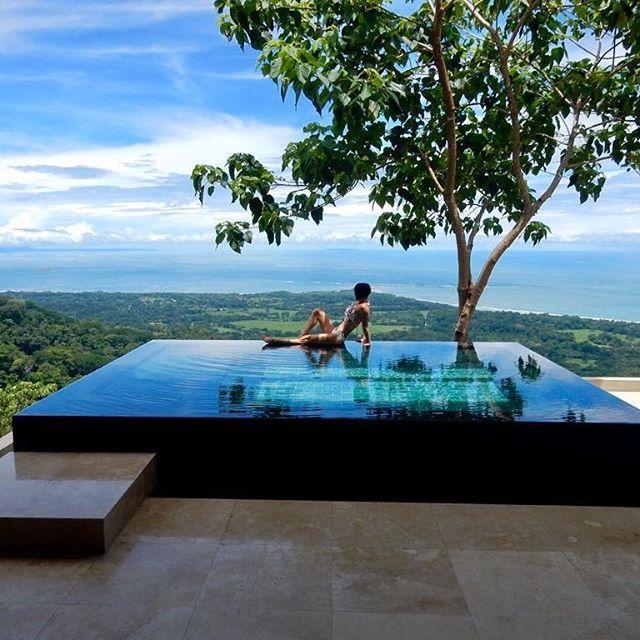 Boda - Luxury Travel Influencer