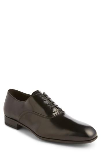 Hochzeit - Salvatore Ferragamo Dunn Derby Plain Toe Oxford (Men)