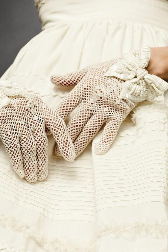 Crochet Gloves : Ivory Wedding - Vintage Crocheted Lace Gloves Wedding #790584 ...