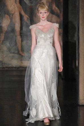 زفاف - كلير بيتيبون
