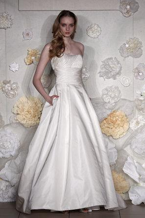 Wedding - Alvina Valenta