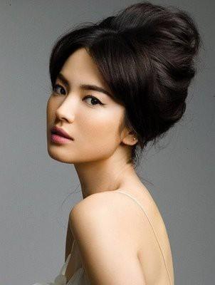 Mariage - Cheveux de mariage magnifique et le maquillage ♥ simple et naturelle des cheveux de mariage