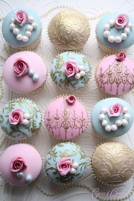 image of Special Fondant Wedding Cupcakes ♥ Yummy Wedding Cupcakes