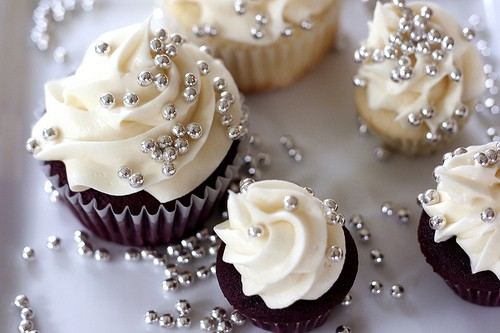 hochzeits cupcakes yummy homemade hochzeit cupcakes. Black Bedroom Furniture Sets. Home Design Ideas