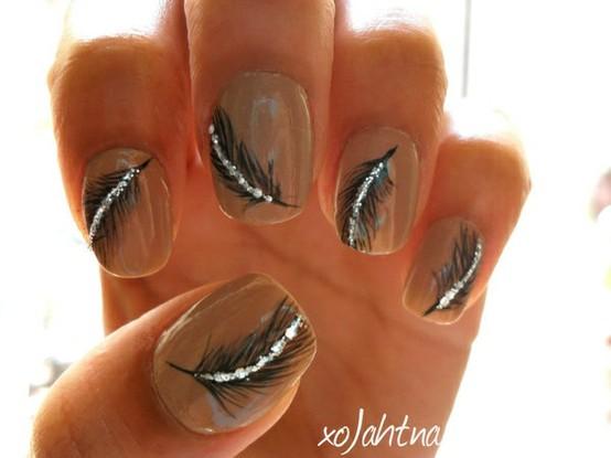 Фото ногтей с перышками