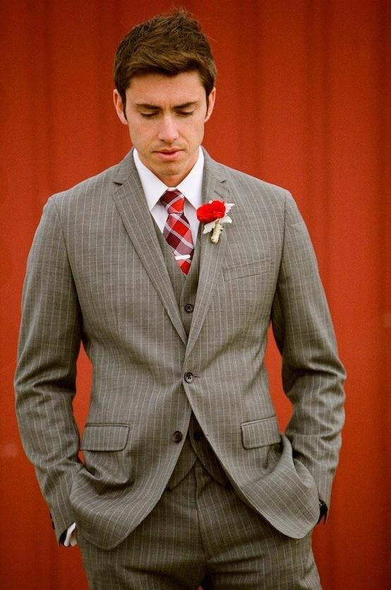 Свадьба - Красный галстук красный плед и бутоньерка