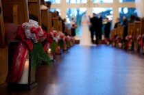 wedding photo - Christmas Wedding Aisle Decor Ideas ♥ Winter Wedding Aisle Decor Ideas